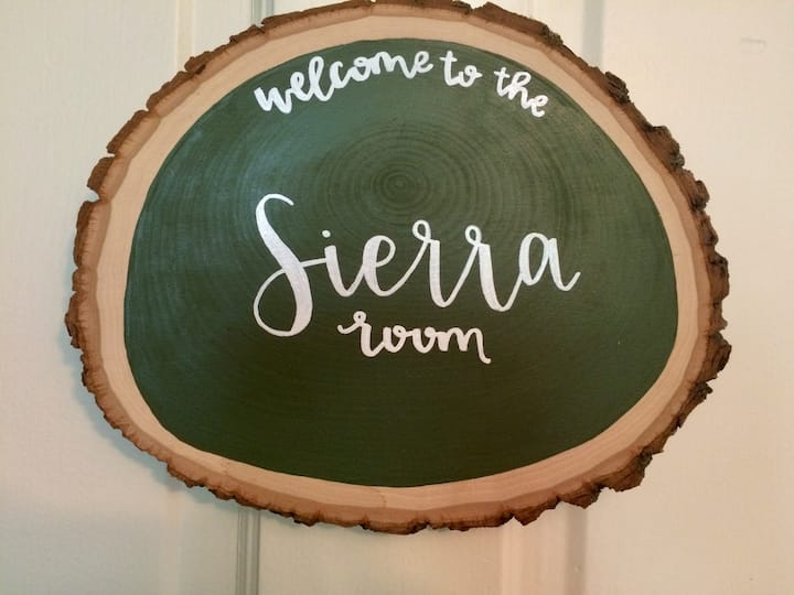Sierra Room: At Home in BFT, Next Door to PSU