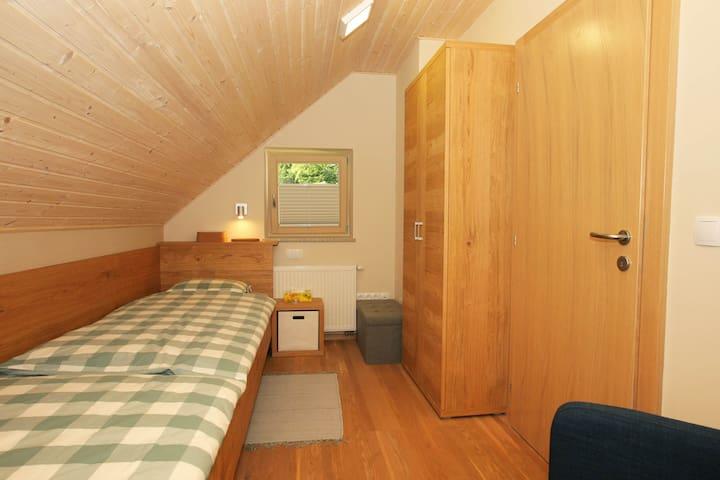 ROOM2 - 2 single beds.