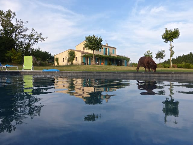 HOUSE  5 ROOMS : CALM, POOL & VIEW ON CAMARGUE