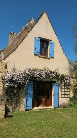 Dordogne Valley, 17th Century stone cottage - Coux et Bigaroque - House