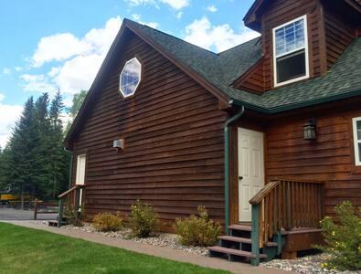 Private Entrance Studio - Columbia Falls