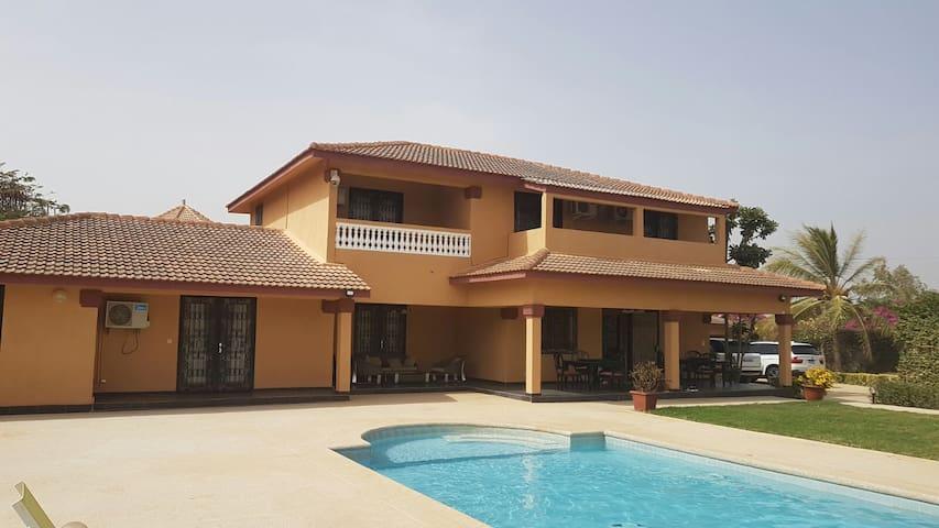 Villa de haut standing l'AUTHENTIK à Somone Mbour - Somone