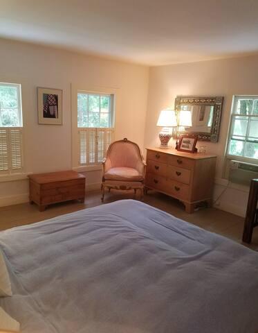 Travel Room Bedroom