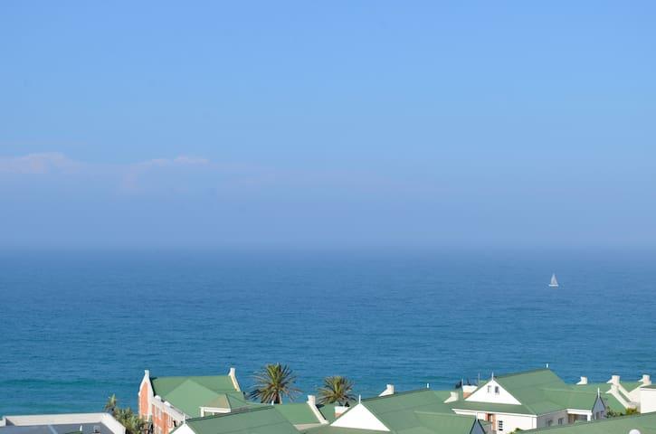 Beautiful Beachfront Apartment - Port Elizabeth - Apartemen