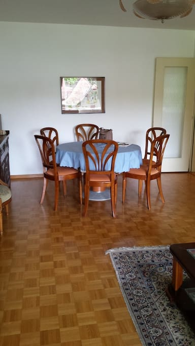 Dining table for 6 people..