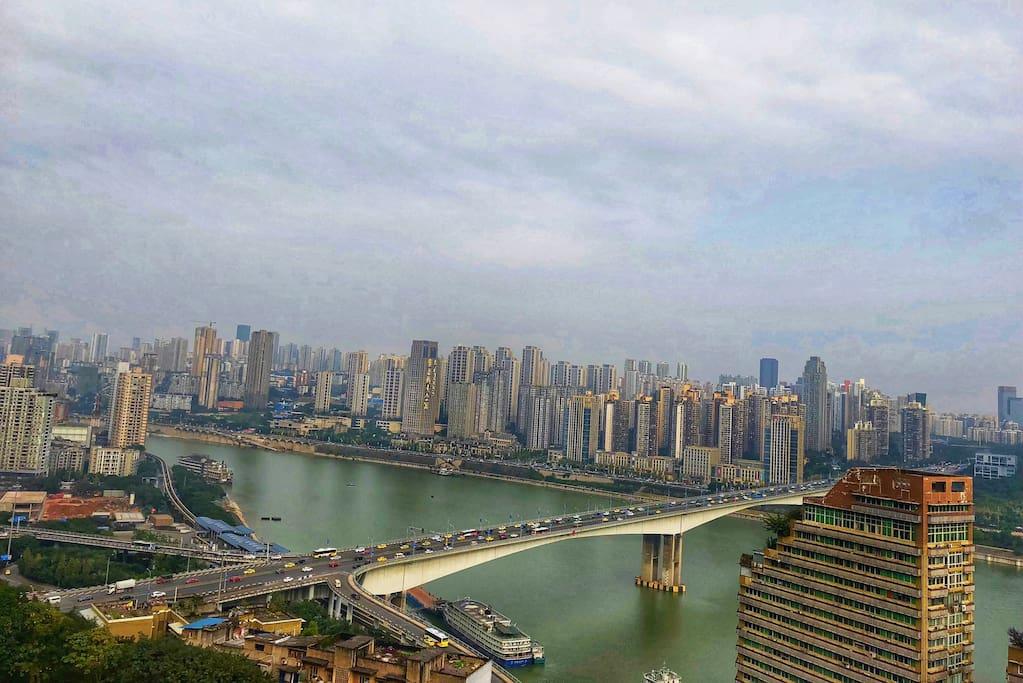 黄花园大桥的白天江景