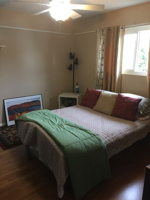 Very comfortable double bed with upgraded mattress. Great light.