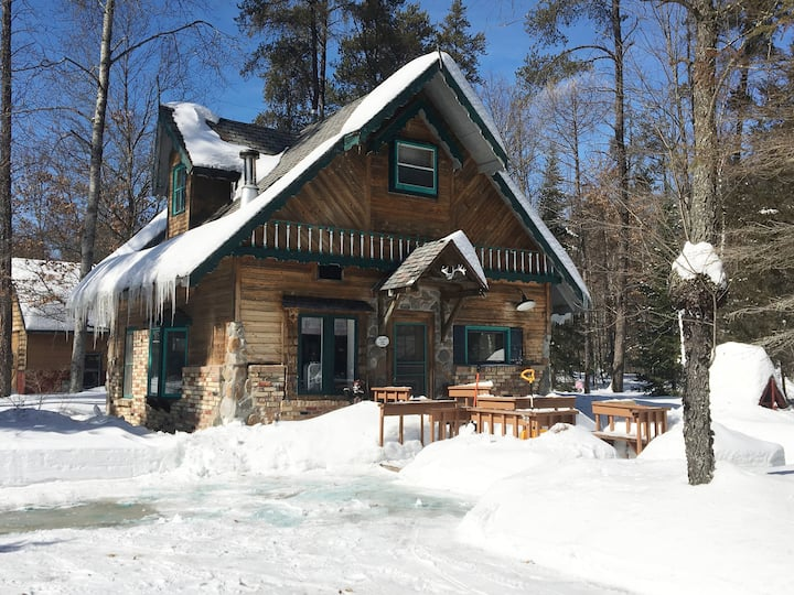 Cozy Northwoods Cottage Crivitz