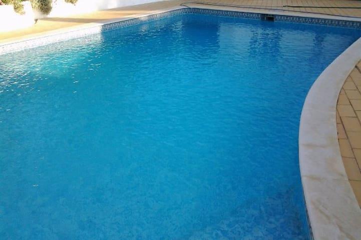 Beautiful Villa Alegre - Quarteira