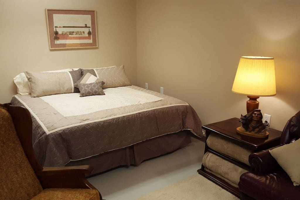 King bed in Ranch Room