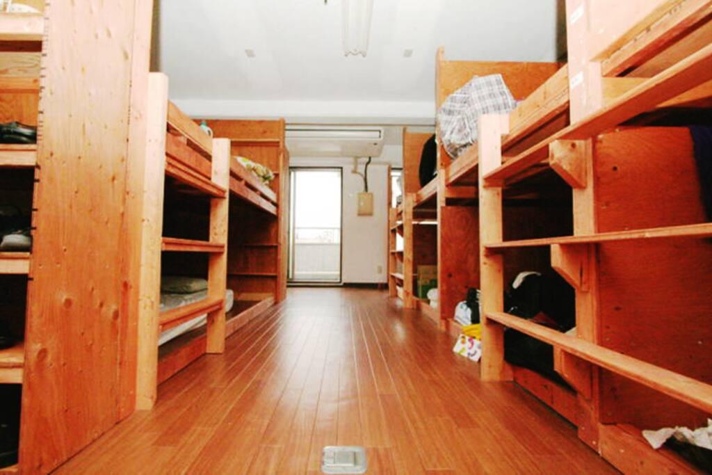ドミトリールーム / Dormitory Room 全室ドミトリーです。 We privide dormitories only.