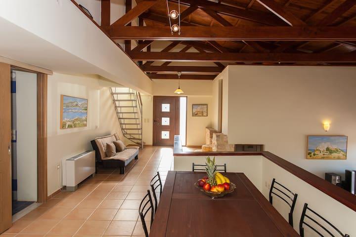 Βίλα με θέα, στο Ακρωτήρι Χανίων - Pithari - Villa