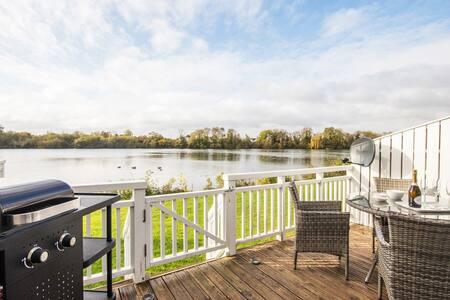 Spring Lake, Lakeside Retreat