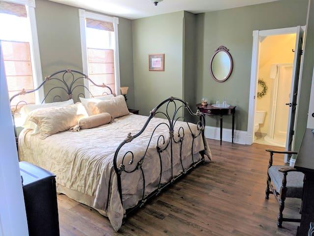 The Lorne Suite