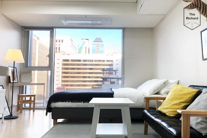 *[Richard]*Stunning Location 1min from Gangnam STN