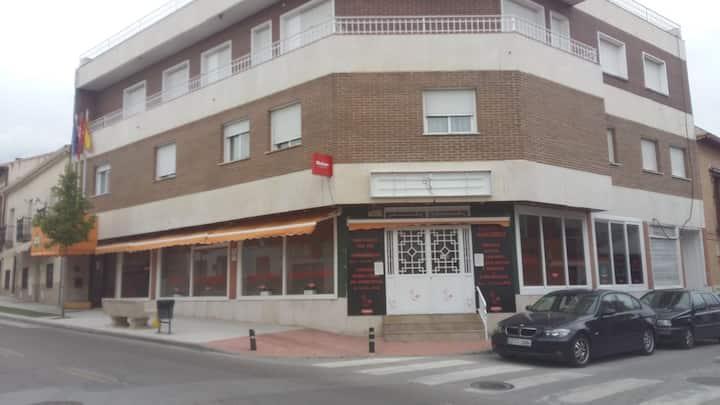 Quédate en este hotel de negocios de El Álamo.