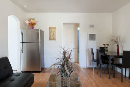 Awesome 2 bed 1bath,Heart of Alhambra! - Alhambra