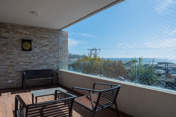 Quiet Waters- 1BR with Pool, Parking, Wifi