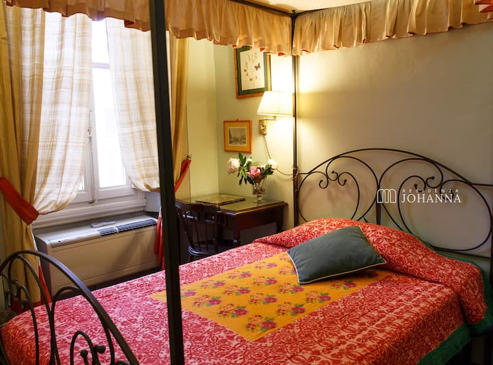 Single room in central florence