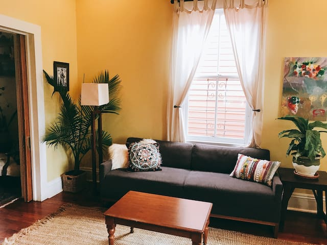 Cozy Retreat in Historic Bywater Neighborhood