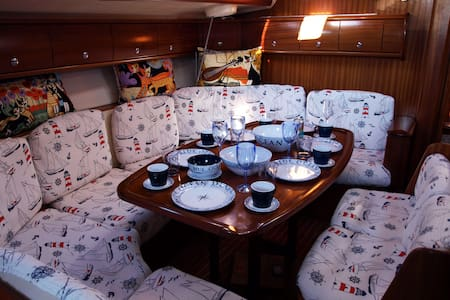 Sunny Yachting - 2 Mai - 船
