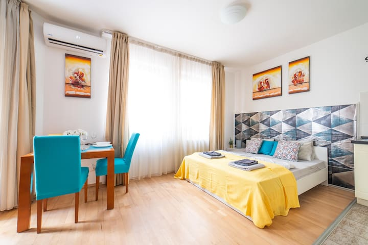 Central 1 BDRM studio apt in the ♥ of Budapest
