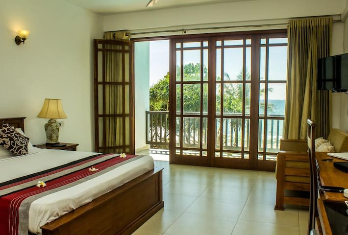 Deluxe Double Room With Balcony & Sea View