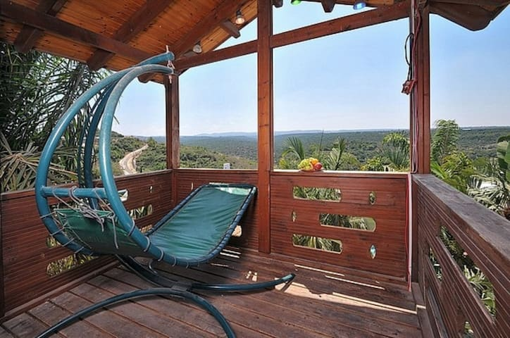 The Galilee View Cabin-persidentail suite