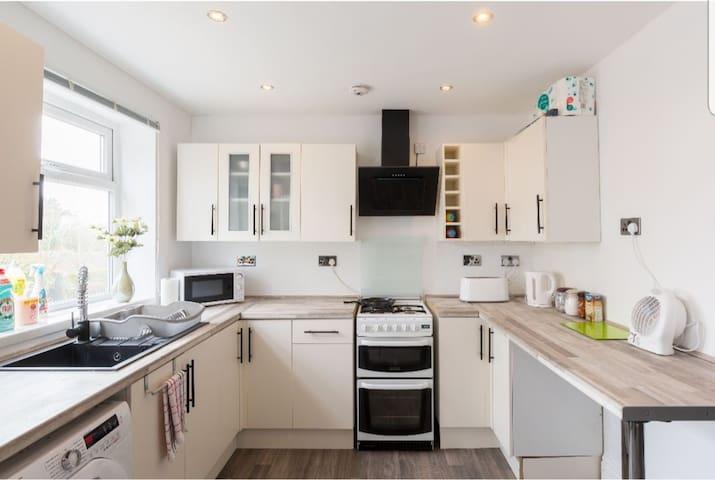 4. Clean BOX room BHX/NEC/ City centre, kingsheath