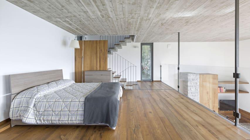 Double bedroom at the mezzanine floor.