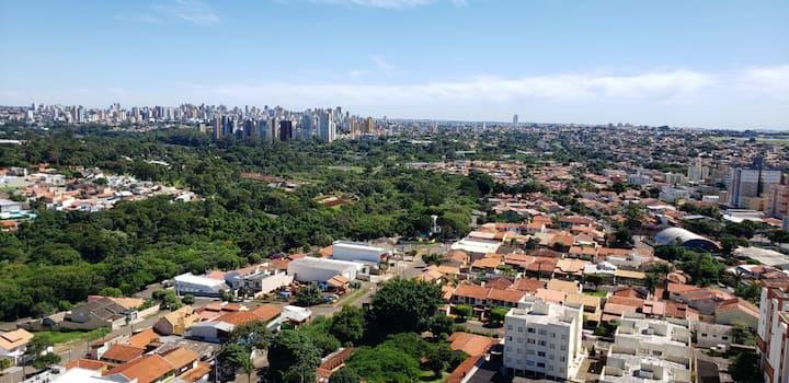 Apartamento aconchegante com vista para cidade