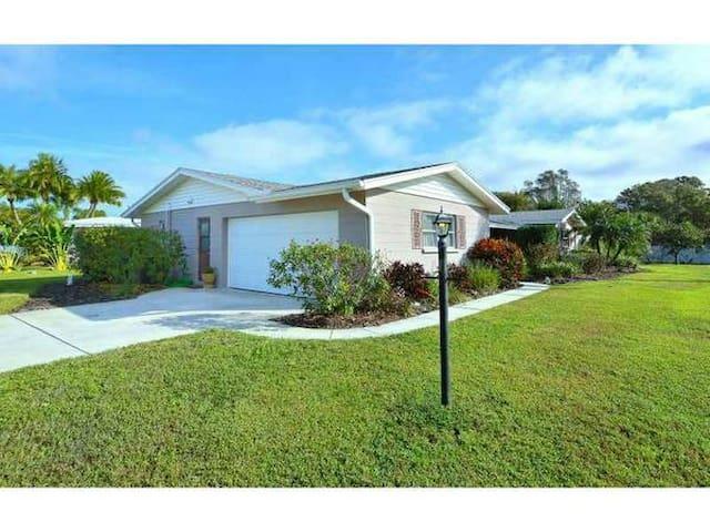 2411 Britannia Rd, Sarasota, FL 34231 - Sarasota - Talo