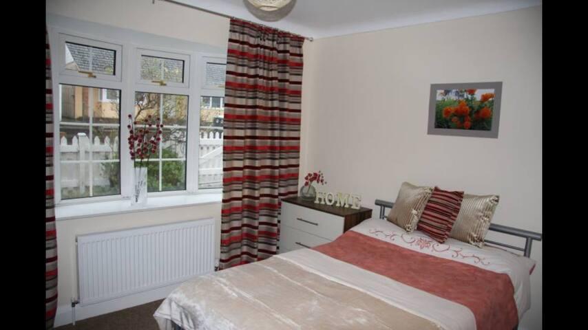 Beautiful modern room in Epsom