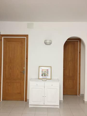 Area between 2 bedrooms.