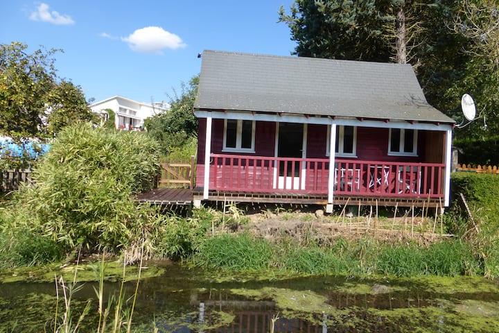 Cottage au bord du canal Louis XIV