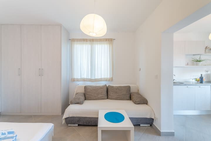 New & Modern studio apartment Iva