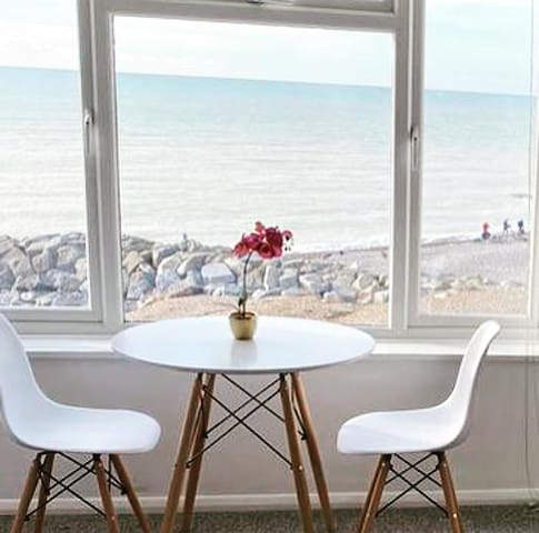 A relaxing haven with superb views
