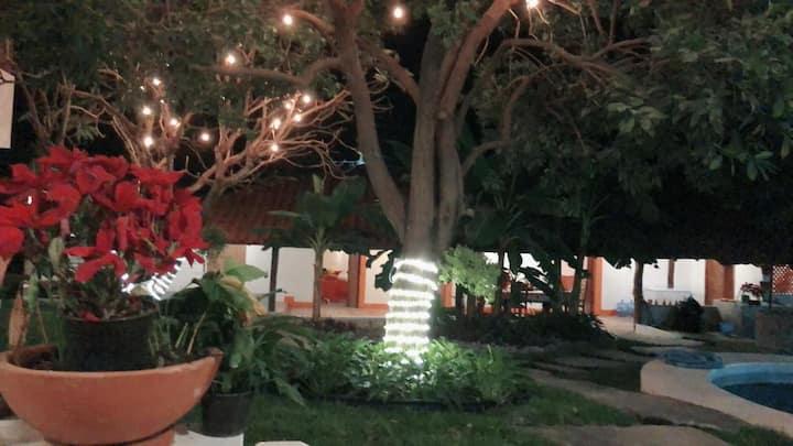 1/2 Casa con Jacuzzi cerca de playas de Michoaca2