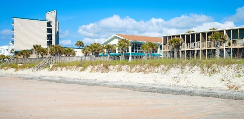 Litchfield Oceanfront Resort - Pawleys Island