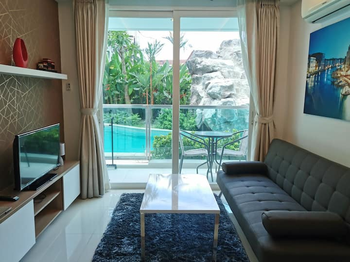 Quiet 1bed corner room with Pool Access