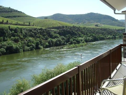 Apartamento T1 com vista rio