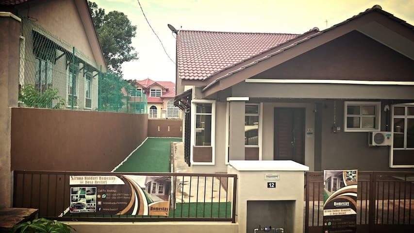 KiranaBaiduri guest house at Sepang - Sepang - Rumah