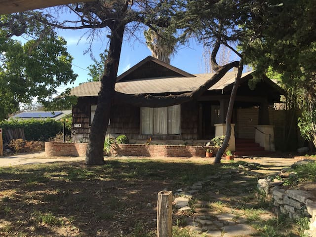 Bungalow Restoration - Signal Hill - Huis
