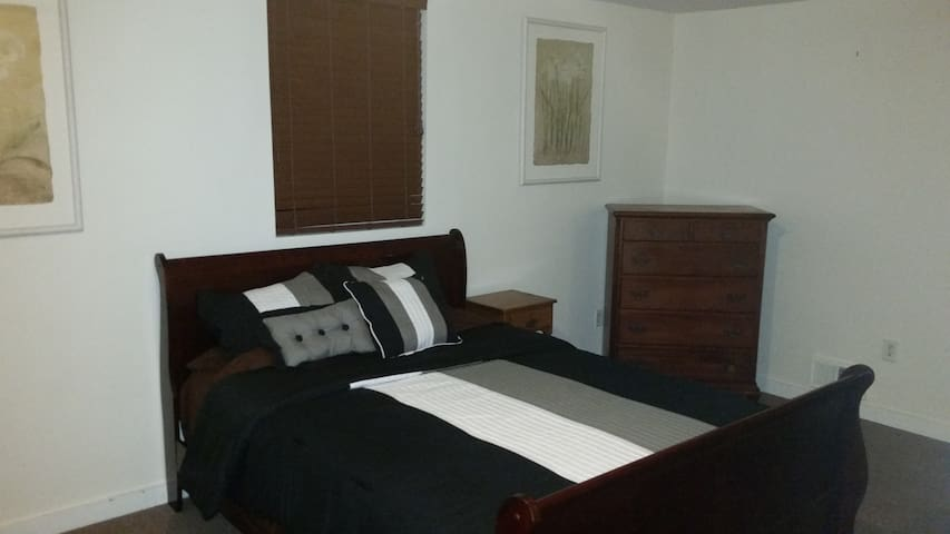 Room with En Suite Between Richmond and Short Pump - Richmond - Huis