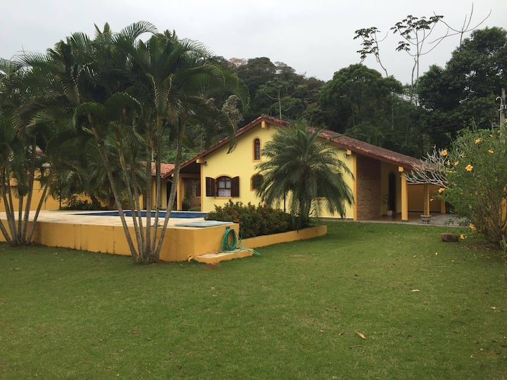 Linda casa com piscina na Praia de Massaguaçu