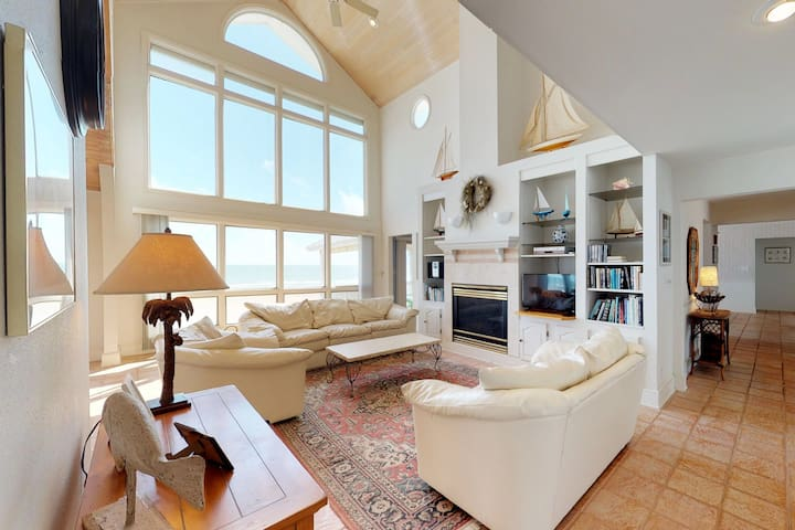 NEW LISTING! Spacious, dog-friendly, waterfront home w/ amazing ocean views