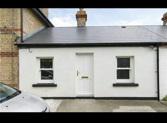 Cosy  cottage close to seafront - Dublin - House