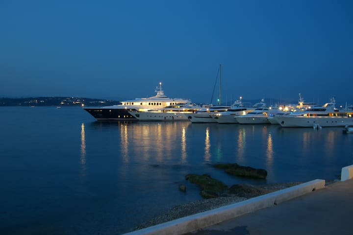 House by the sea in Spetses - Spetses