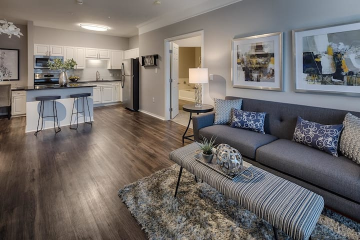 Stay as long as you want   1BR in Plymouth