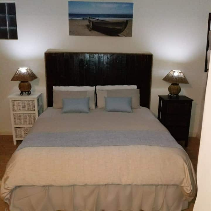 Vincentia Odd Cottage (self catering) East London